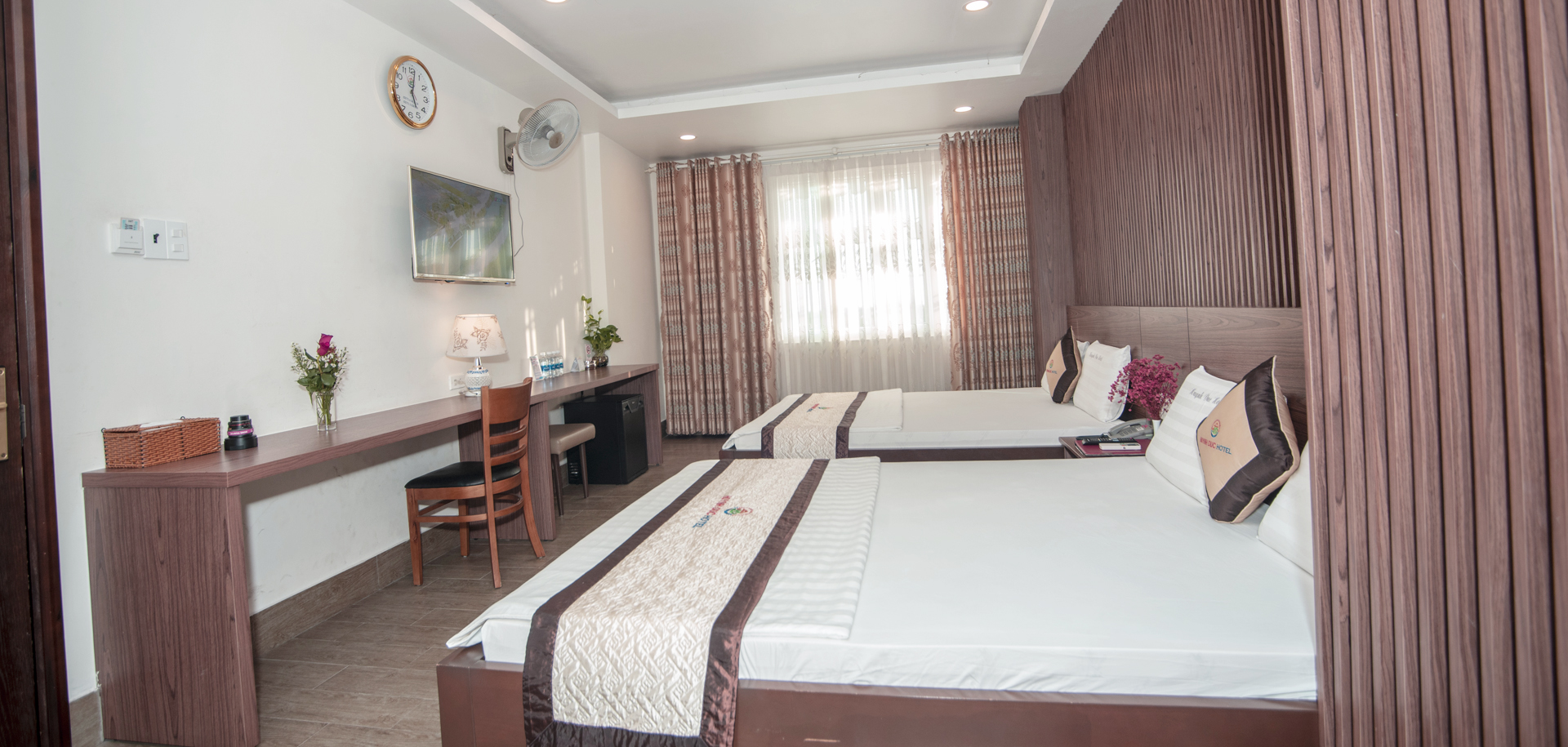 VIP 12- Family Room